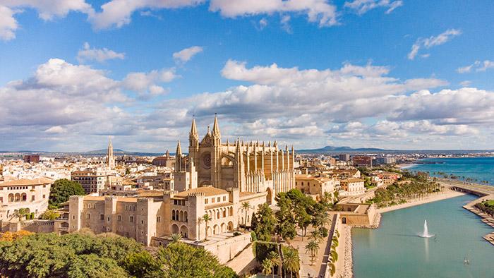 Luxury yacht charter Palma de Mallorca